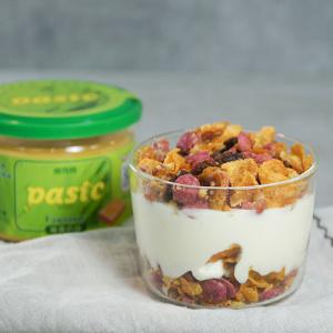 Coconut Cereal and Yogurt Parfait