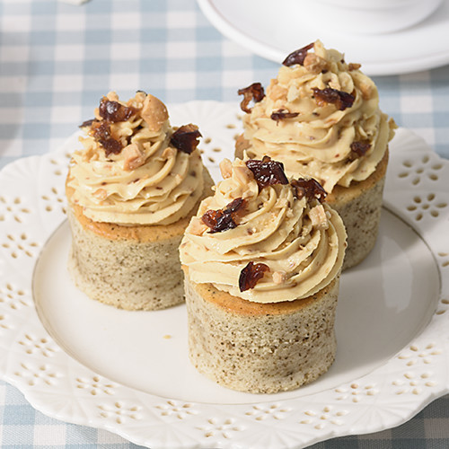 Raisin Custard Cheese Cupcake